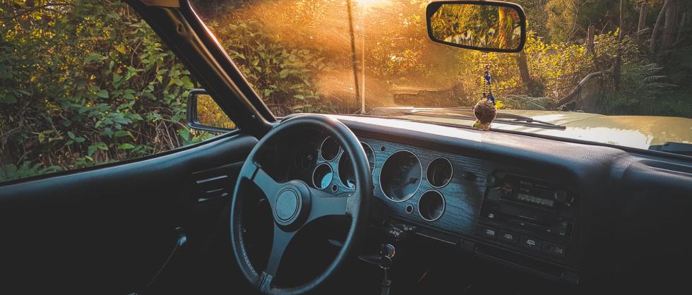 avarinis automobilio atidarymas